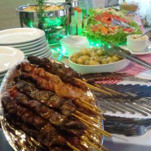 buffet de churrasco de espetinho completo